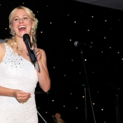 katie-skingle-doing-the-auction